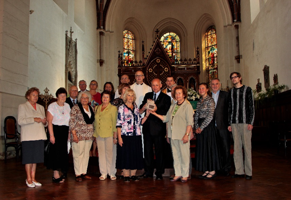 Photocall in the sanctuary. To the left of J.Marszalek (centre): Dr.Guna Putnina Photos (2): A.Putnin
