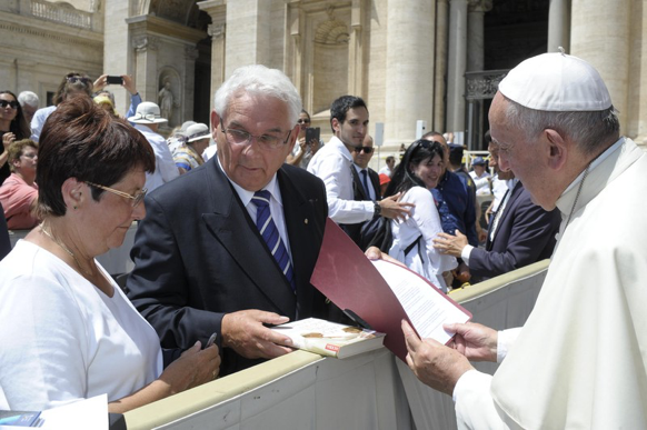 The Lions Governor Kuropka, with his wife next to him. Photo: Vatican