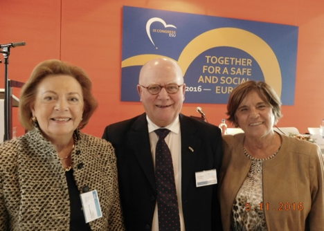 At the Congress for the first time: Jenny Geluk Poortvliet, Jos van Riet und Monique Vogelaar  (from left to right) from the CDA-Seniors in the Netherlands