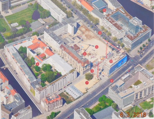 The oldest settlement in the twin city is located between the Spree (top right) and the Spree Canal (bottom left). Part of the area in the lower third of the picture is reserved for the House of One (marked by a dot). (Aerial photo: City of Berlin)