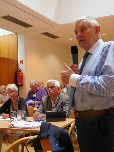 ESU Executive Committee member Claus Bernhold in 2017 as a speaker during discussions at the Summer Academy in Vienna